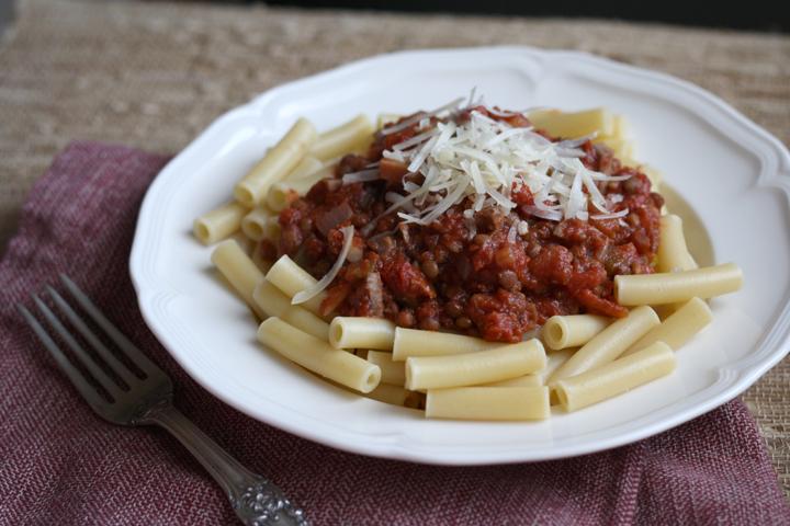 vegetarian lentil bolognese 3