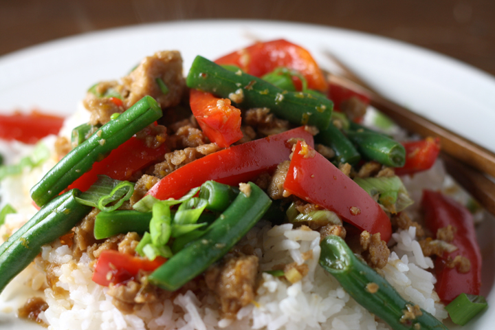 Orange Seitan with Green Beans and Peppers ~ ElephantEats.com