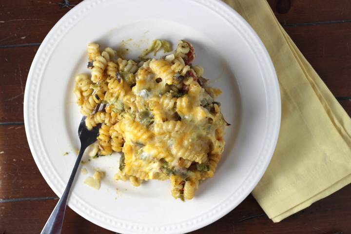 Zesty Mac 'n Cheese Casserole ~ ElephantEats.com